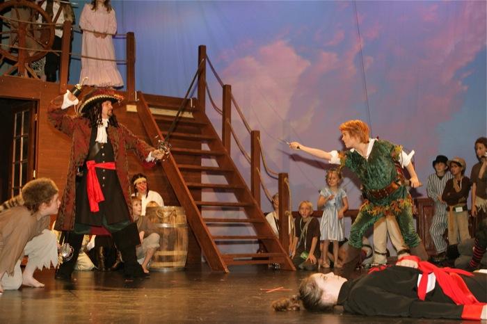 Peter Pan - Pan vs Hook