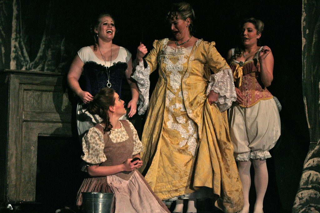 Into the Woods Stepmother and Stepsisters